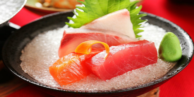 pescado-crudo-beneficios-riesgos